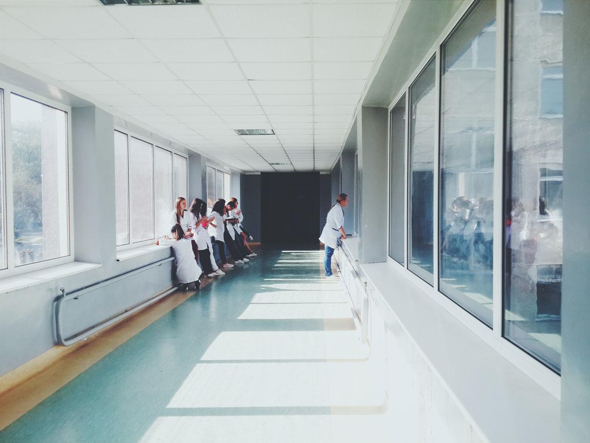 Nickl Academy - Beispiel für normalen Krankenhausflur