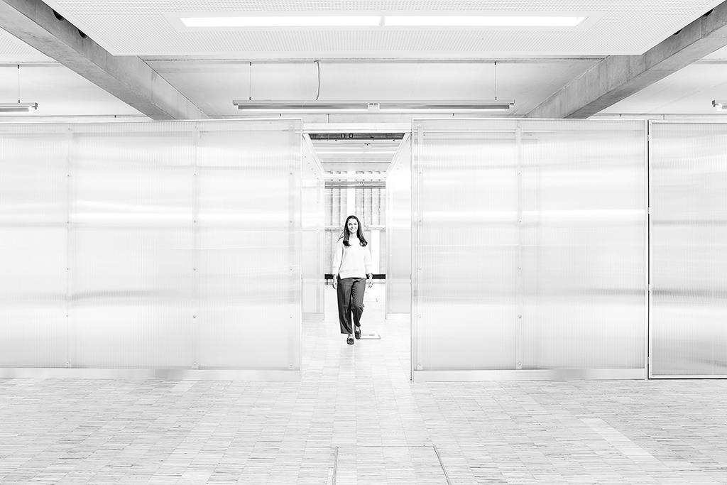 Nickl Academy - Schwarz weiß Bürowelten